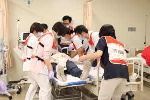 模擬傷病者への処置